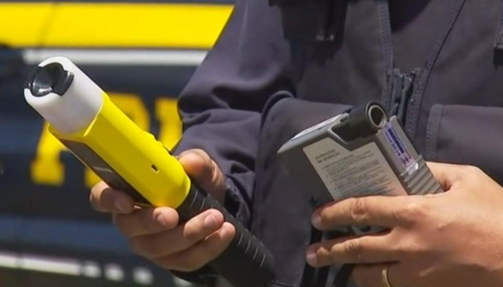Polícia Militar Rodoviária vai usar bafômetro que consegue detectar o motorista embriagado sem que ele precise assoprar