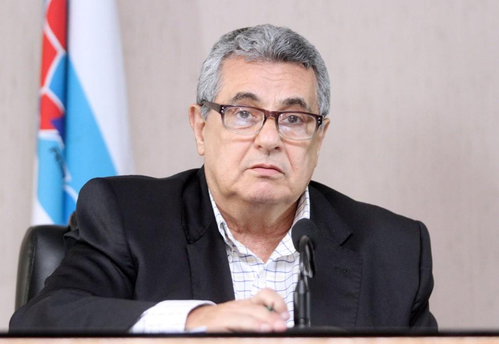 Arbitral sugere datas, e Bangu e Flamengo esperam aval do governo para iniciar volta do Carioca na quinta