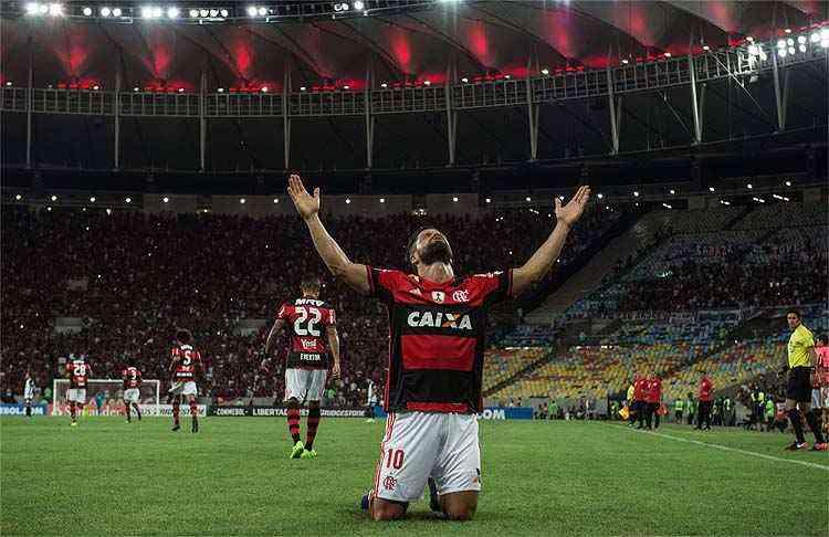 Negociação avança, mas jogos do Flamengo no Carioca continuam sem passar na TV